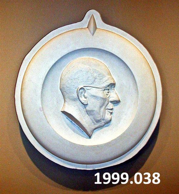 1999.038.jpg
