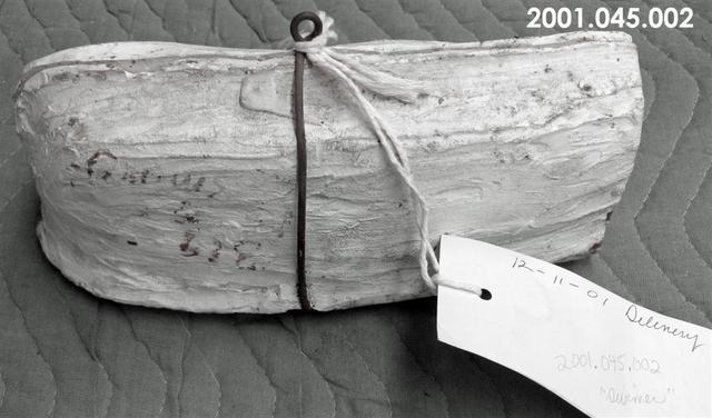 2001.045.002.jpg