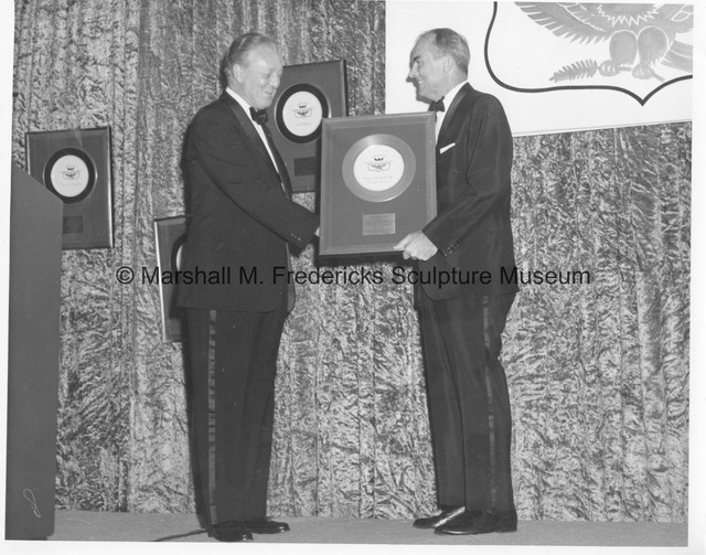 Marshall Fredericks receives the Golden Plate Award from the American Academy of Achievement.jpg