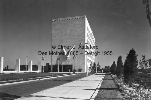 View of Veterans Memorial Building and pylons.jpg