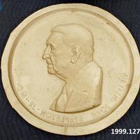 1999.127.jpg