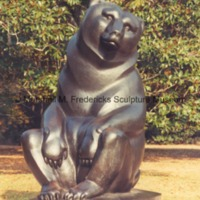 Brookgreen Gardens - front view of Two Bears.tif