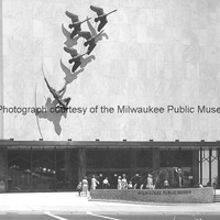 Indian and Wild Swans on the facade of the Milwaukee Public Museum.tif