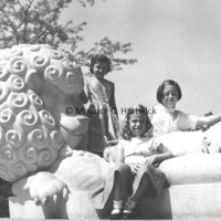 Rosalind, Suzanne (Suki) and Frances Fredericks with The Lion and Mouse.jpg