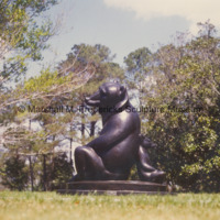 Side view of bronze Two Bears at Brookgreen Gardens.jpg