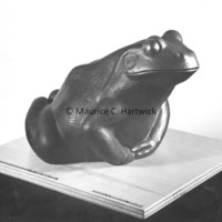 Small scale bronze of The Friendly Frog.tif