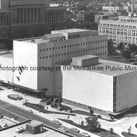 View of the Milwaukee Public Museum with Indian and Wild Swans on the facade.tif